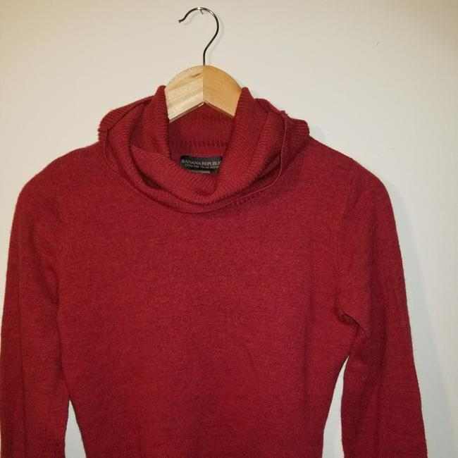 Preload https://item2.tradesy.com/images/banana-republic-red-sweaterpullover-size-6-s-22686176-0-0.jpg?width=400&height=650