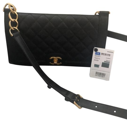 Preload https://img-static.tradesy.com/item/22686629/chanel-classic-flap-black-quilted-soft-leather-cross-body-bag-0-1-540-540.jpg