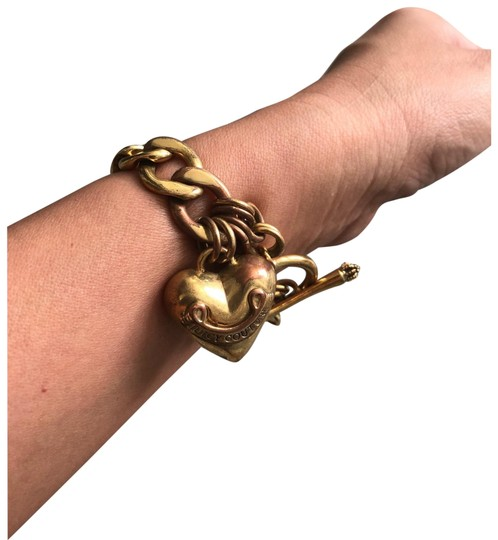 Preload https://item5.tradesy.com/images/juicy-couture-charm-bracelet-22686669-0-1.jpg?width=440&height=440