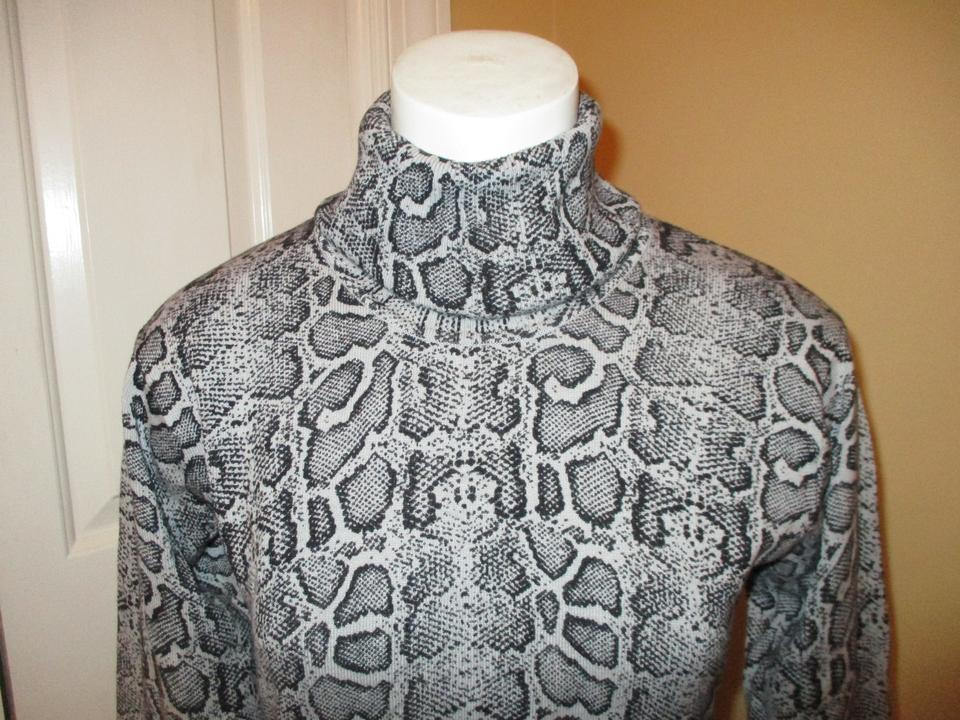 Obermeyer Python Print Turtle Neck Black & Grey Sweater