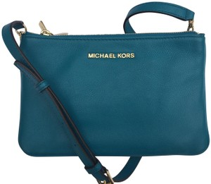 dcd382f9b609 Blue Michael Kors Bags - Up to 90% off at Tradesy
