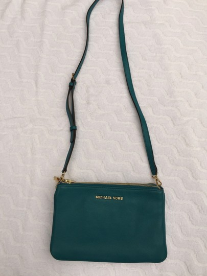 790171df9047 Michael Kors Bedford Gusset Turquoise Leather Cross Body Bag - Tradesy