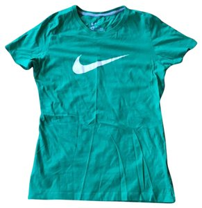 Nike T Shirt green with white swoosh
