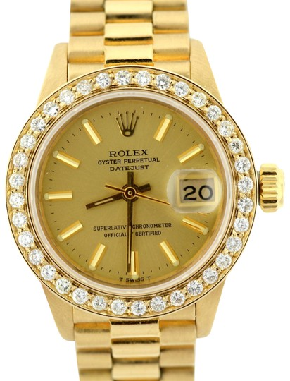 Preload https://img-static.tradesy.com/item/22687370/rolex-15ct-26mm-presidential-datejust-18k-gold-diamond-watch-0-1-540-540.jpg