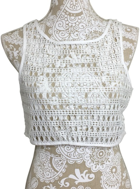 Preload https://item4.tradesy.com/images/topshop-white-knit-crop-tank-topcami-size-8-m-22687458-0-1.jpg?width=400&height=650