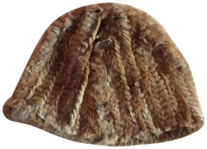 Adrienne Landau Absolutely beautiful 100% rabbit fur hat NWOT