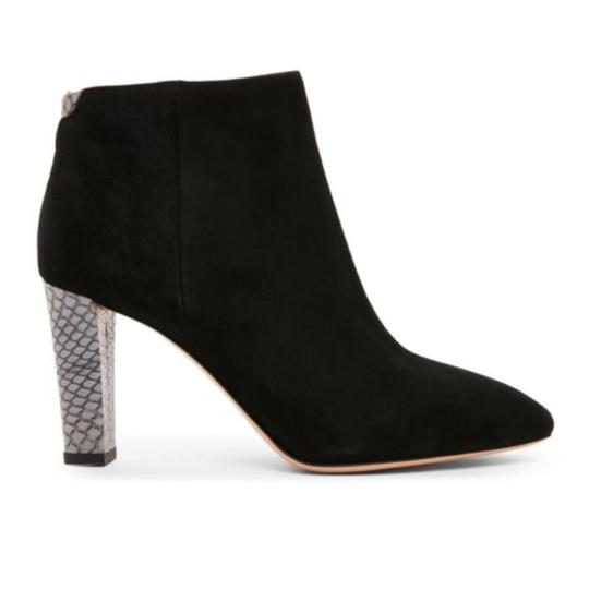 Preload https://item1.tradesy.com/images/acne-studios-black-new-alba-suede-ankle-bootsbooties-size-eu-41-approx-us-11-regular-m-b-22688430-0-0.jpg?width=440&height=440