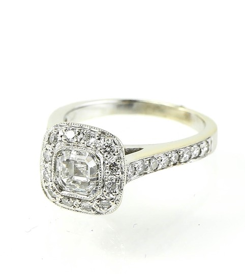 Preload https://img-static.tradesy.com/item/22688485/-asscher-cut-center-diamond-white-gold-halo-ladies-ring-0-0-540-540.jpg