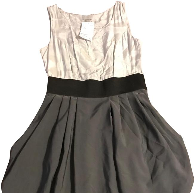 Preload https://item2.tradesy.com/images/h-and-m-grey-short-casual-dress-size-4-s-22688631-0-2.jpg?width=400&height=650