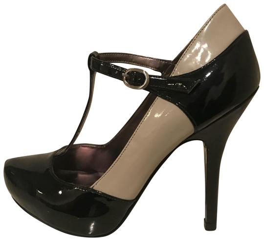 Preload https://item1.tradesy.com/images/guess-black-and-beige-patent-leather-black-mary-janes-pumps-size-us-5-regular-m-b-22688760-0-1.jpg?width=440&height=440