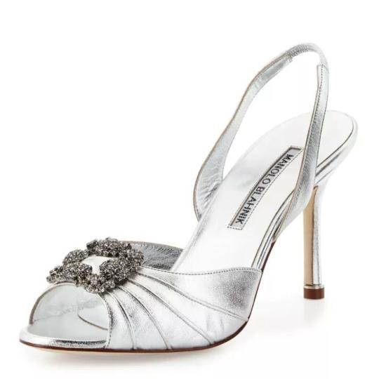 Preload https://img-static.tradesy.com/item/22689390/manolo-blahnik-silver-hangisi-pumps-size-eu-385-approx-us-85-regular-m-b-0-0-540-540.jpg