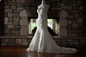 Maggie Sottero Ivory Lace Traditional Wedding Dress Size 2 (XS)