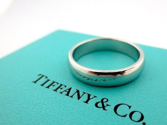 Preload https://item2.tradesy.com/images/tiffany-and-co-platinum-45mm-8594-men-s-wedding-band-22693001-0-0.jpg?width=440&height=440