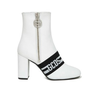 GCDS white and black Boots