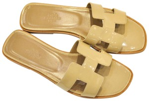 Herms taupe Sandals