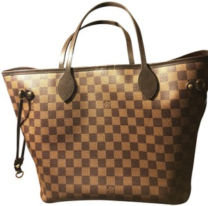 Louis Vuitton Tote in Red Inside