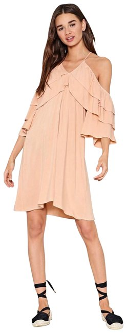 Item - Cold Shoulder Tiered Mid-length Short Casual Dress Size 8 (M)