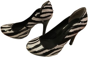 Lovely People Animal Night Out Date Night Sequin zebra print Pumps