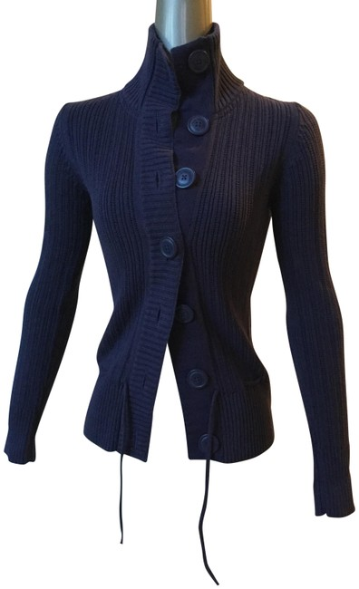 Preload https://img-static.tradesy.com/item/22696915/h-and-m-purple-button-down-cardigan-size-4-s-0-1-650-650.jpg