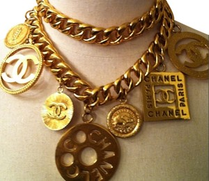 CHANEL CHANEL LOGO CHARM MEDALLION BELT NECKLACE