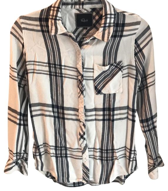 Preload https://img-static.tradesy.com/item/22698199/rails-black-and-white-flannel-button-down-top-size-4-s-0-1-650-650.jpg