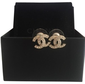 Chanel NEW!! CC crystals on light gold studded earrings