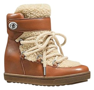 Coach Saddle/Natural Boots
