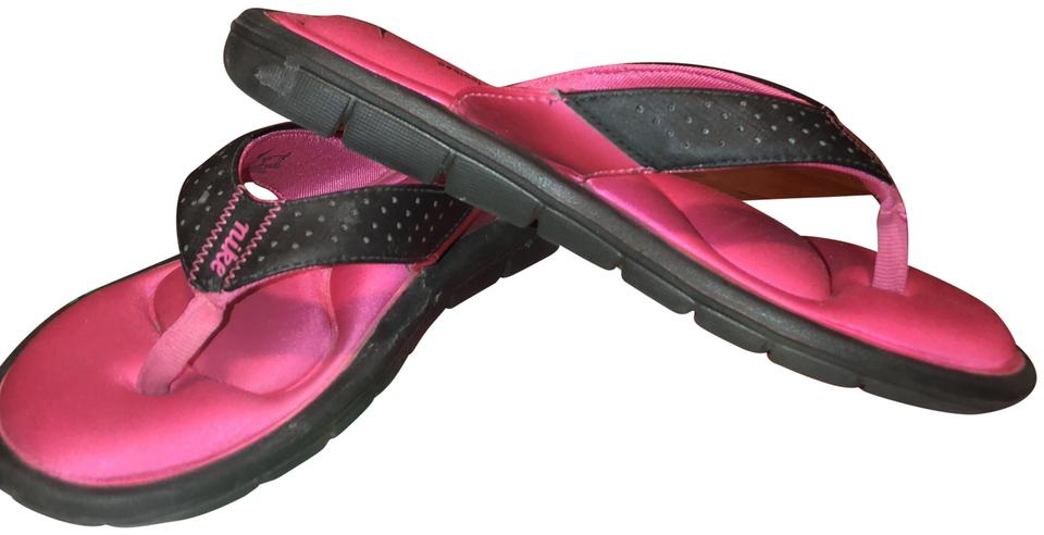 newest 10df4 6aa91 Nike Pink Comfort Footbed Flip Flops Sandals Size US 7 Regular (M, B)