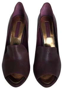 BCBGMAXAZRIA Burgundy Pumps