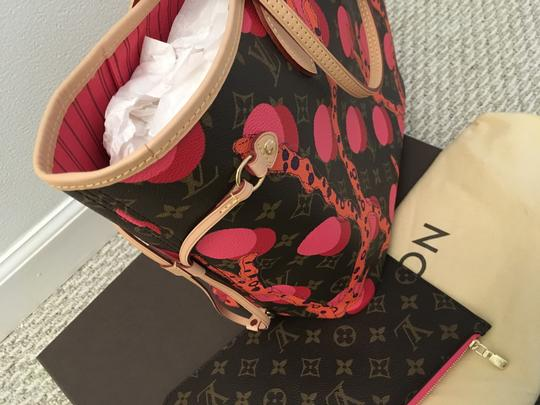 Louis Vuitton Tote in Brown/Coral/Pink/Purple Image 1