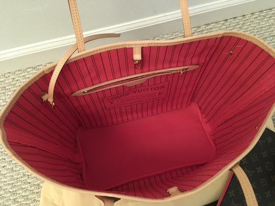 Louis Vuitton Tote in Brown/Coral/Pink/Purple Image 2