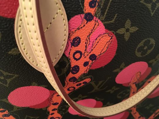 Louis Vuitton Tote in Brown/Coral/Pink/Purple Image 4