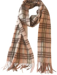 Burberry London Lambswool Classic Scarf