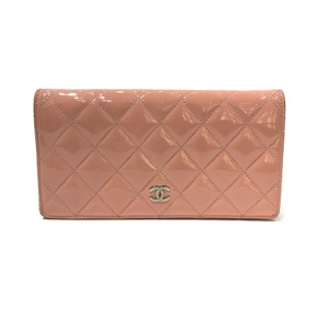 e4d2db9de8b7 Chanel Quilted Wallets - Up to 70% off at Tradesy