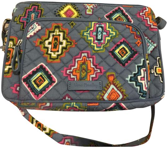 Preload https://img-static.tradesy.com/item/22703798/vera-bradley-iconic-rfid-little-hipster-in-painted-medallions-quilted-cotton-cross-body-bag-0-5-540-540.jpg