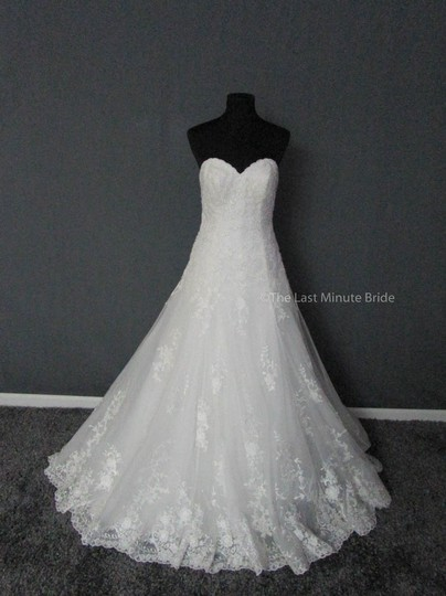 Preload https://img-static.tradesy.com/item/22703828/maggie-sottero-diamond-white-lace-corrina-5mb026-feminine-wedding-dress-size-8-m-0-0-540-540.jpg