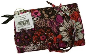 Vera Bradley Vera Bradley All Wrapped Up Jewelry Roll in Rosewood NWT!