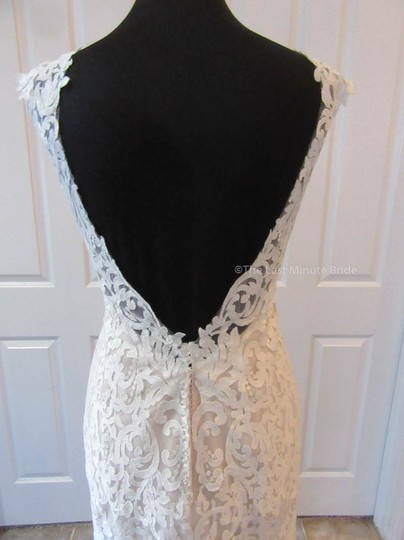 Essense of Australia Ivory/Mink Lace D2320 Feminine Wedding Dress Size 8 (M)