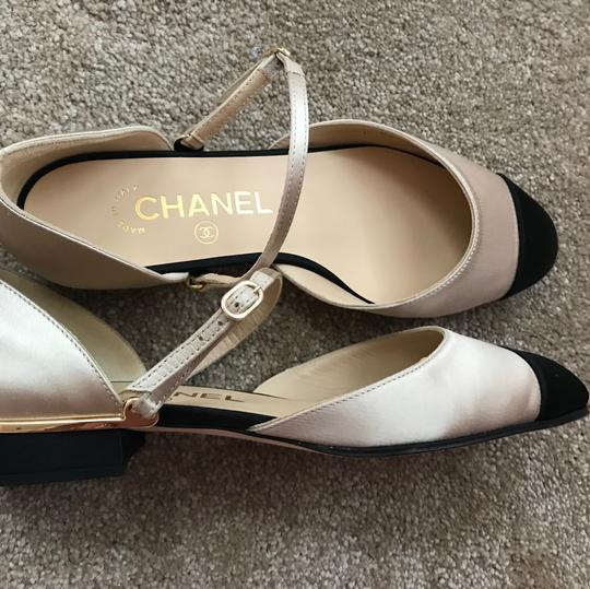 Chanel Satin Bicolor Slingback Round Toe Beige/Black Pumps