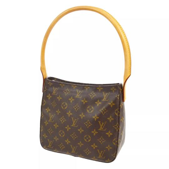 Preload https://img-static.tradesy.com/item/22705174/louis-vuitton-looping-mm-shoulder-bag-0-12-540-540.jpg