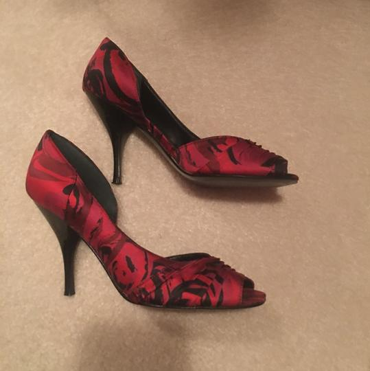 Nine West pinkish red and black Pumps