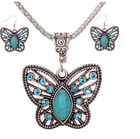 Hand Made Coordinated Auger Turquoise Earring And Necklace Set