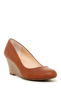 Jessica Simpson Almond Wedges