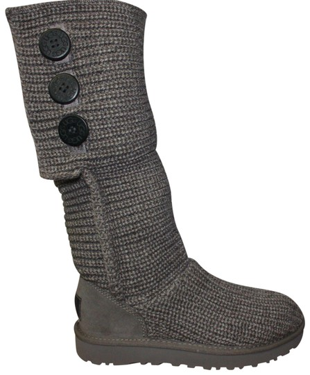 Preload https://img-static.tradesy.com/item/22706101/ugg-australia-grey-women-s-classic-cardy-knit-1016555-bootsbooties-size-us-7-regular-m-b-0-1-540-540.jpg