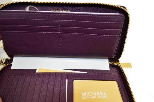 Michael Kors Money Pieces Croco Leather zip Damson Wallet Clutch Wristlet
