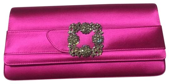 Preload https://img-static.tradesy.com/item/22706591/manolo-blahnik-new-gothisi-crystal-buckle-pink-satin-clutch-0-1-540-540.jpg