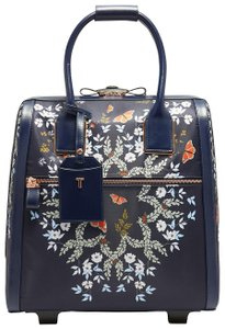 7e1d2d75943965 Pink Ted Baker Weekend   Travel Bags - Up to 90% off at Tradesy