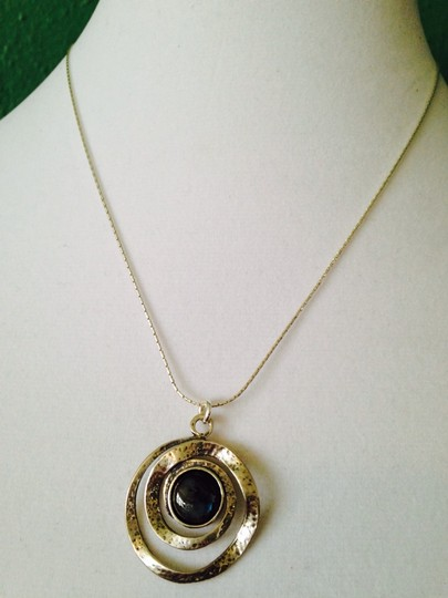 JS Collections NWOT Blue Labradorite Cabochon In Hammered Sterling Silver Necklace