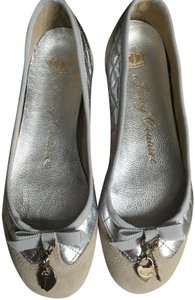 Juicy Couture Silver/Gray Flats