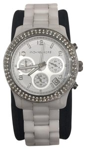 dee6022911da Michael Kors White Watches - Up tp 70% off at Tradesy (Page 2)